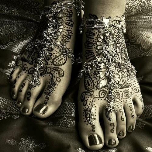beautiful-beauty-design-foot-henna-Favim.com-306977
